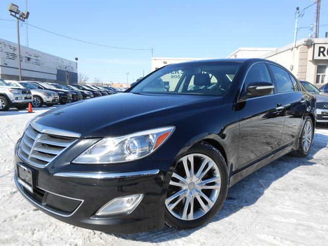 2012 hyundai genesis 3 8 v6 tech pkg navigation oakville ontario used car for sale 2038238. Black Bedroom Furniture Sets. Home Design Ideas