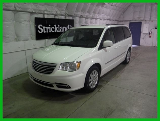 2013 chrysler town and country touring alpine white strickland 39 s. Cars Review. Best American Auto & Cars Review