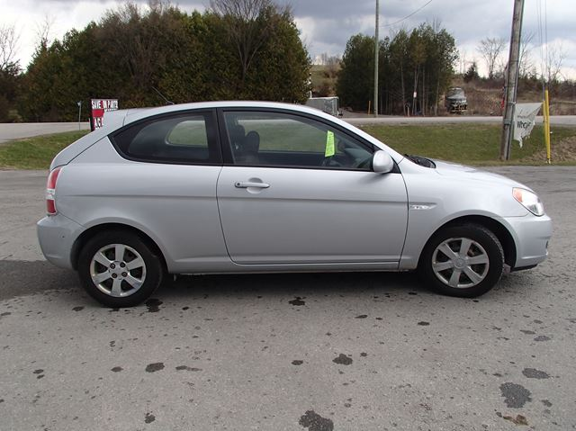 2007 hyundai accent gs w sport pkg madoc ontario car for sale 2043358. Black Bedroom Furniture Sets. Home Design Ideas
