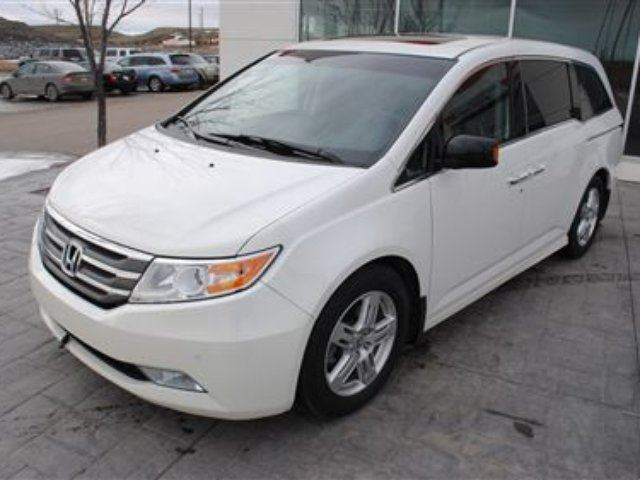 2012 honda odyssey touring local trade no accidents. Black Bedroom Furniture Sets. Home Design Ideas
