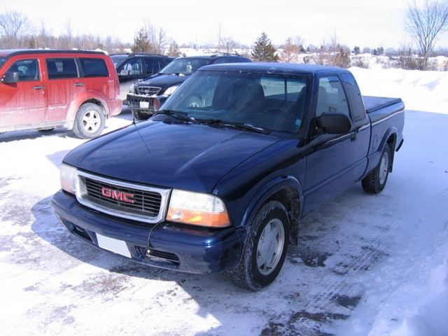 2002 gmc sonoma sls ext cab smiths falls ontario used car for sale 2052726. Black Bedroom Furniture Sets. Home Design Ideas