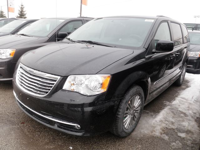 2015 chrysler town and country touring vaughan ontario new car for sale 2062753. Black Bedroom Furniture Sets. Home Design Ideas