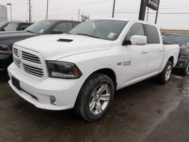 2015 dodge ram 1500 sport crew cab 4x4 vaughan ontario new car for sale 2062754. Black Bedroom Furniture Sets. Home Design Ideas