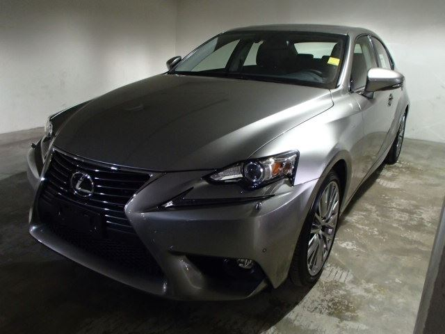2015 lexus is 250 mississauga ontario new car for sale 2073783. Black Bedroom Furniture Sets. Home Design Ideas