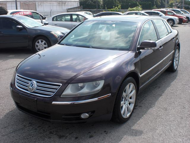 2004 Volkswagen Phaeton V8 in London, Ontario