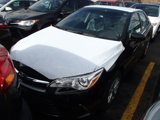 2015 toyota camry le mississauga ontario used car for sale 2087921. Black Bedroom Furniture Sets. Home Design Ideas