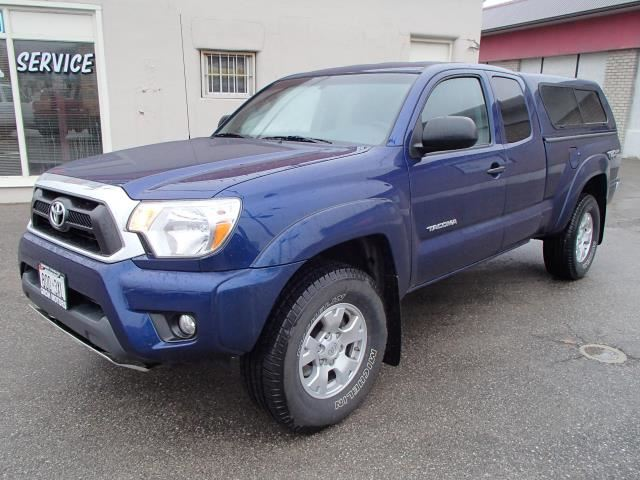 2014 toyota tacoma trd off road 4x4 blue groh motors. Black Bedroom Furniture Sets. Home Design Ideas