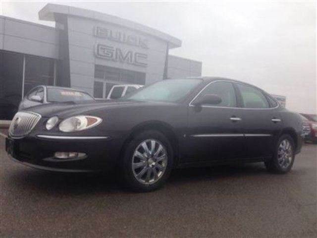 2009 Buick Allure CXL 3.8 V6 Leather Dual Zone Climate Chrome Wheels in Port Perry, Ontario