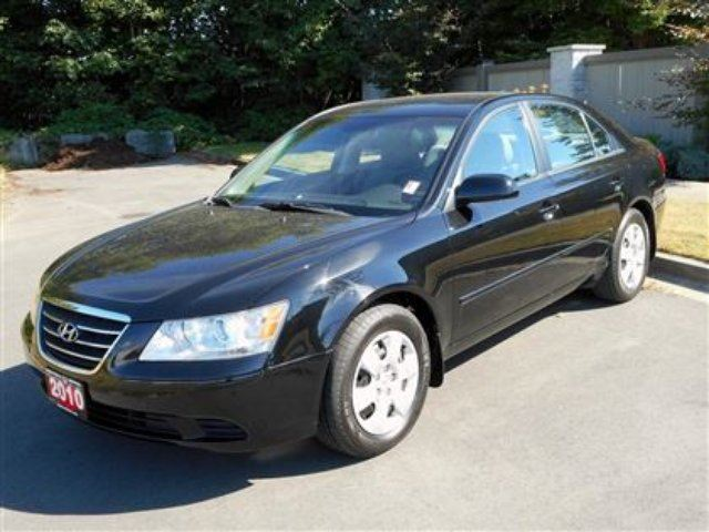2010 HYUNDAI SONATA GL One Owner in Campbell River, British Columbia