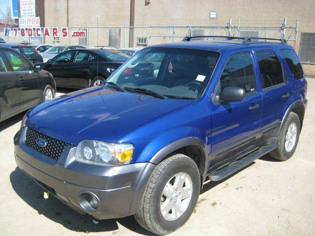 Used Suv Under 5000 Edmonton: 2006 Ford Escape XLT 4dr 4x4 Blue