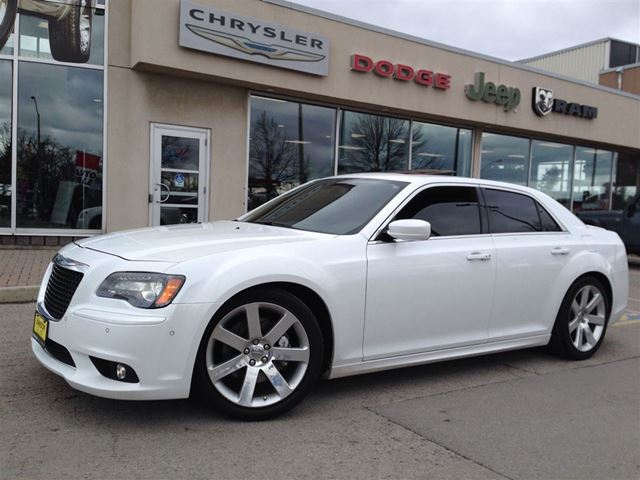 2012 chrysler 300 srt8 hamilton ontario used car for. Black Bedroom Furniture Sets. Home Design Ideas