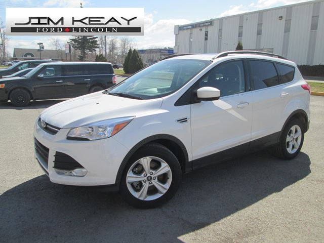 2015 Ford Escape SE 4WD W/ ROOF + LEATHER in Ottawa, Ontario