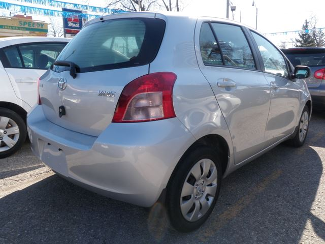 2008 toyota yaris le brampton ontario used car for sale 2119519. Black Bedroom Furniture Sets. Home Design Ideas