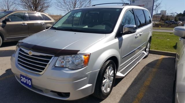 2010 chrysler town and country touring ajax ontario used car for sale 2122611. Black Bedroom Furniture Sets. Home Design Ideas