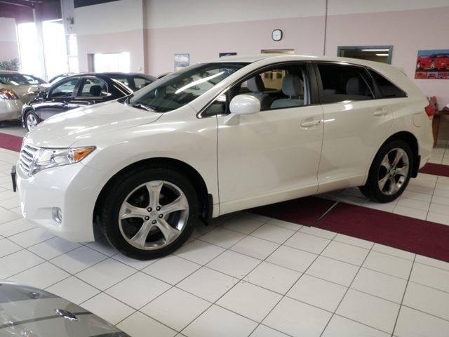 2011 toyota venza white city automotive sales and. Black Bedroom Furniture Sets. Home Design Ideas