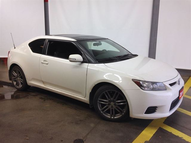 2011 scion tc one owner local trade in panoramic sunroof. Black Bedroom Furniture Sets. Home Design Ideas