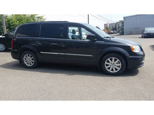 2012 chrysler town and country surrey british columbia. Black Bedroom Furniture Sets. Home Design Ideas