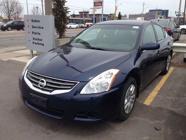 2010 nissan altima 2 5 s scarborough ontario used car for sale 2135220. Black Bedroom Furniture Sets. Home Design Ideas