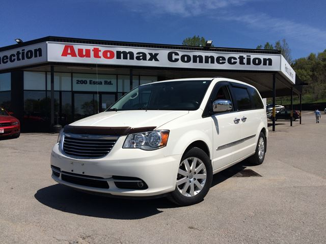 2012 chrysler town country touring white automax. Black Bedroom Furniture Sets. Home Design Ideas