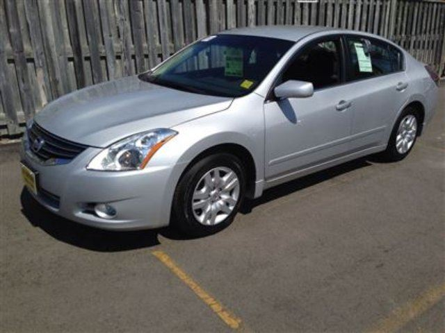 2012 nissan altima 2 5 s burlington ontario used car. Black Bedroom Furniture Sets. Home Design Ideas