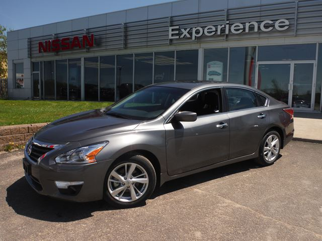 2015 nissan altima 2 5 sv orillia ontario new car for sale 2148423. Black Bedroom Furniture Sets. Home Design Ideas