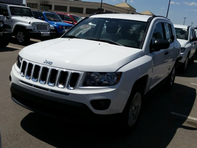 2015 jeep compass sport 4x2 white hunt chrysler new. Black Bedroom Furniture Sets. Home Design Ideas