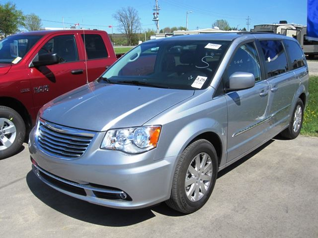 2014 chrysler town and country touring mount forest. Black Bedroom Furniture Sets. Home Design Ideas