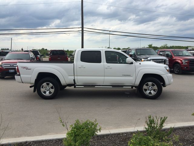 2010 toyota tacoma elmvale ontario used car for sale 2160981. Black Bedroom Furniture Sets. Home Design Ideas
