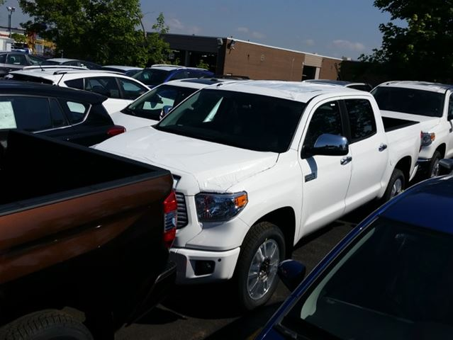 What is the gas mileage of 2015 toyota tundra autos post