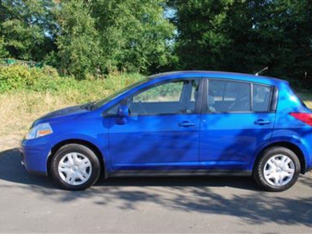 2012 nissan versa 1 8 s great on gas campbell river british columbia car for sale 2169155. Black Bedroom Furniture Sets. Home Design Ideas
