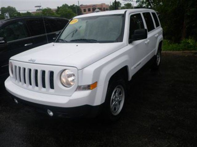2015 jeep patriot sport north chateauguay quebec used car for sale 2176033. Black Bedroom Furniture Sets. Home Design Ideas
