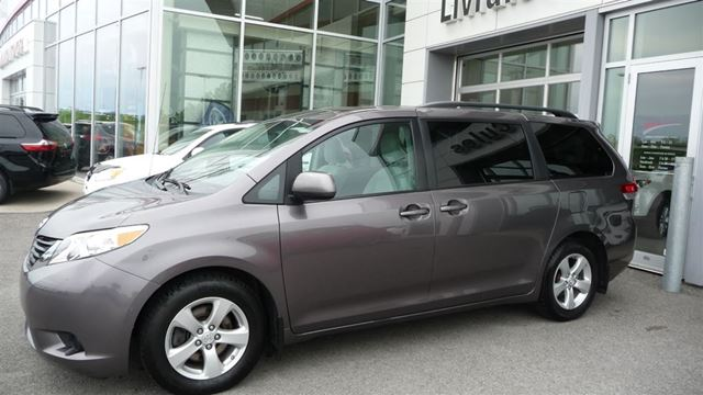 2011 Toyota Sienna LE, 8 PASSAGERS, A/C, GR n++LECTRIQUE in Mirabel, Quebec