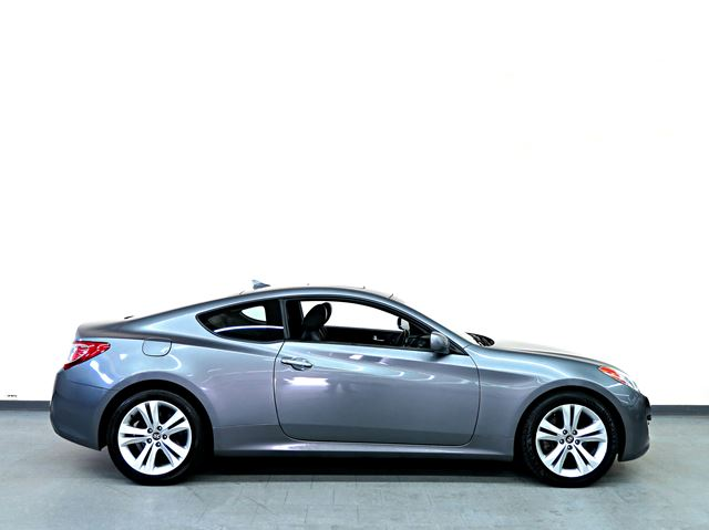 2010 hyundai genesis 2 0t premium leather sunroof north york ontario used car for sale 2176945. Black Bedroom Furniture Sets. Home Design Ideas