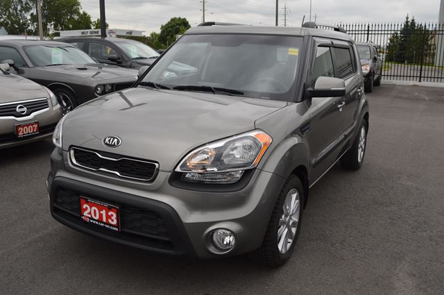 2013 kia soul 2u only 8 000km ottawa ontario used car. Black Bedroom Furniture Sets. Home Design Ideas