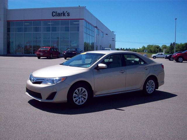 2012 toyota camry le a6 summerside prince edward island used car for sale 2182492. Black Bedroom Furniture Sets. Home Design Ideas