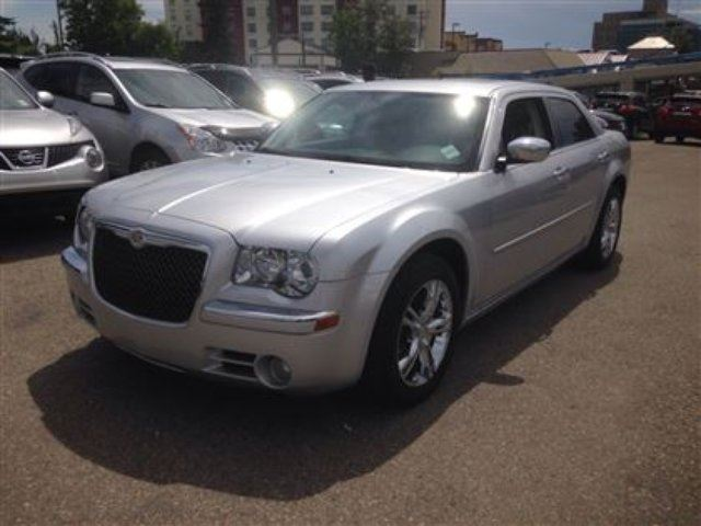 2009 chrysler 300 limited silver stadium nissan. Black Bedroom Furniture Sets. Home Design Ideas