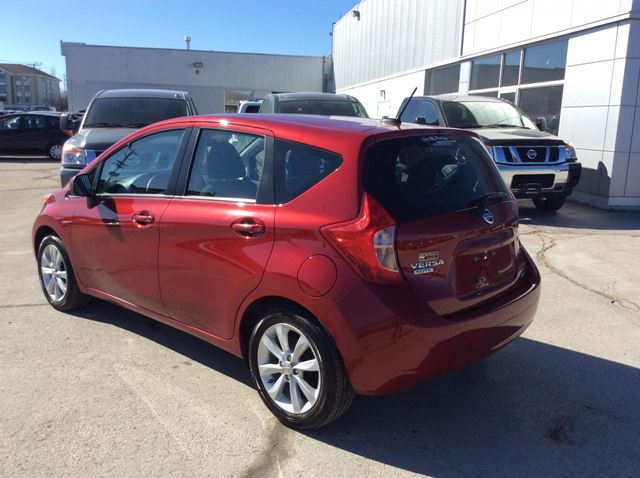 2014 nissan versa sl winnipeg manitoba car for sale 2189453. Black Bedroom Furniture Sets. Home Design Ideas