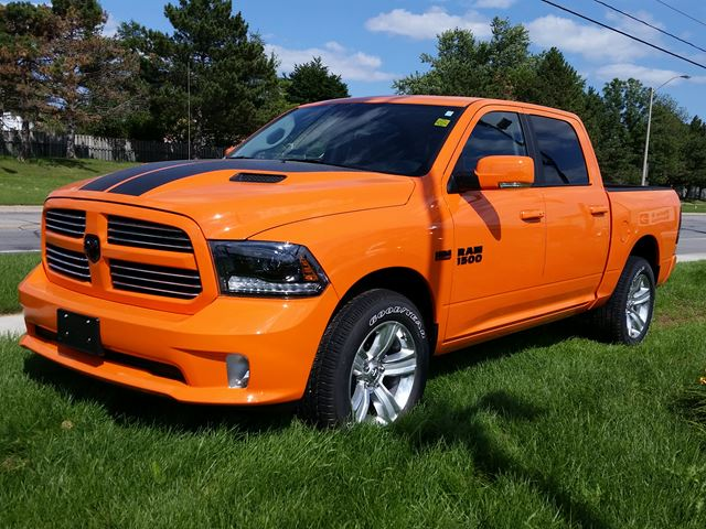 2015 dodge ram 1500 orange sport crew cab 4x4 milton ontario car for sale 2200606. Black Bedroom Furniture Sets. Home Design Ideas