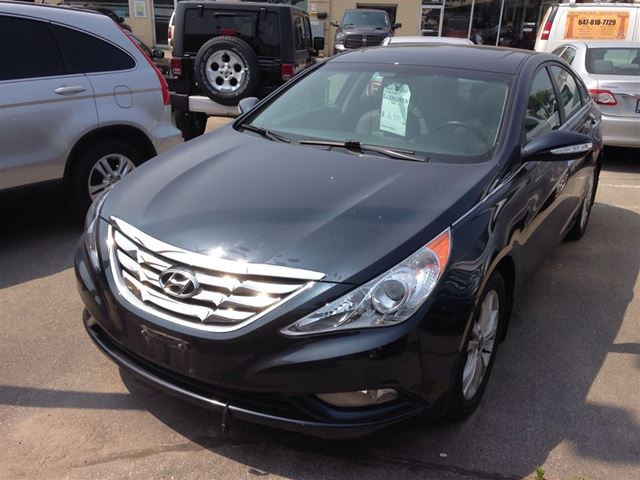 2011 hyundai sonata limited 16535 kms leather sunroof oakville ontario used car for sale. Black Bedroom Furniture Sets. Home Design Ideas