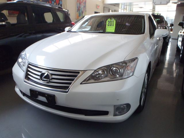 2011 lexus es 350 white prudent value cars. Black Bedroom Furniture Sets. Home Design Ideas