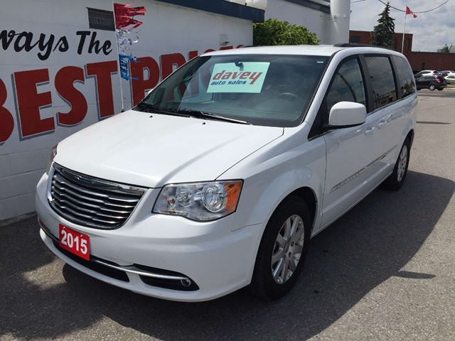 2015 chrysler town and country touring oshawa ontario used car for sale 2209934. Black Bedroom Furniture Sets. Home Design Ideas