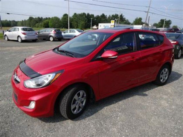 2013 hyundai accent gls aut air toit siege chauffant groupe electri granby quebec used car. Black Bedroom Furniture Sets. Home Design Ideas