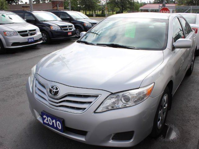 2010 toyota camry le brampton ontario used car for sale 2217756. Black Bedroom Furniture Sets. Home Design Ideas
