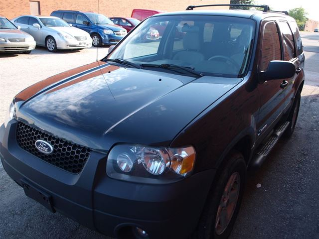 2006 ford escape hybrid runs great vaughan ontario used. Black Bedroom Furniture Sets. Home Design Ideas