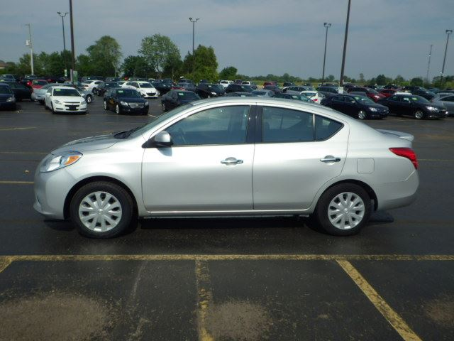 2014 nissan versa sv6 cayuga ontario used car for sale. Black Bedroom Furniture Sets. Home Design Ideas