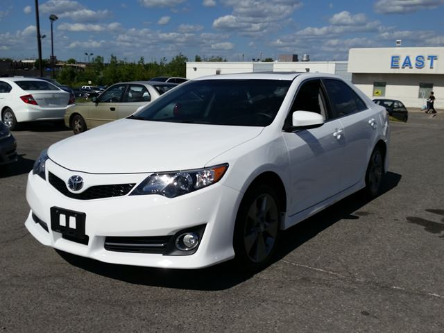 2014 toyota camry se scarborough ontario used car for sale 2229067. Black Bedroom Furniture Sets. Home Design Ideas