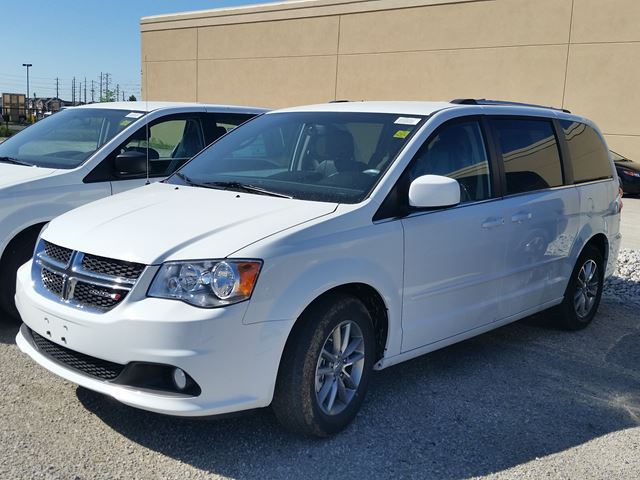 2015 dodge grand caravan sxt premium plus white hunt chrysler new car. Black Bedroom Furniture Sets. Home Design Ideas