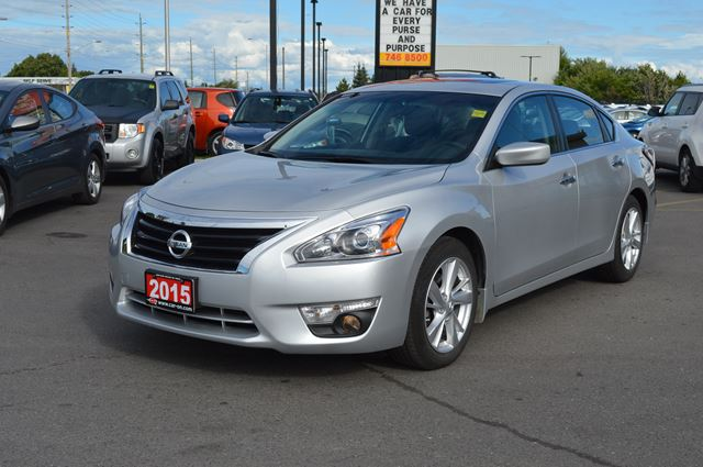 2015 nissan altima 2 5 sv ottawa ontario used car for sale 2234319. Black Bedroom Furniture Sets. Home Design Ideas