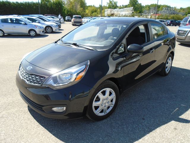 2013 kia rio lx gatineau quebec used car for sale 2235575. Black Bedroom Furniture Sets. Home Design Ideas