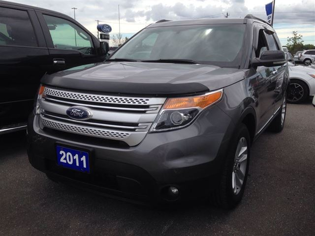 2011 ford explorer xlt pickering ontario used car for. Black Bedroom Furniture Sets. Home Design Ideas